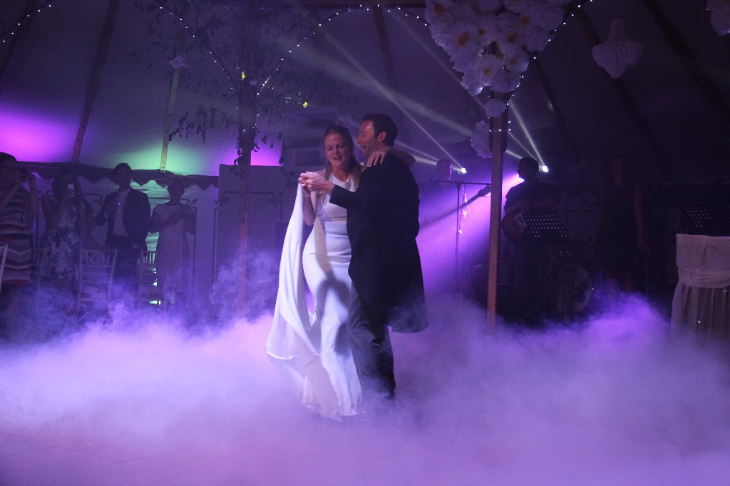 Dry Ice First Dance Marque